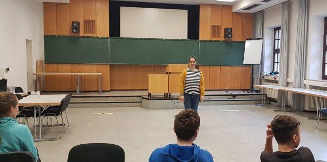 Theaterpädagogische Aktion im Kommunikationsmuseum